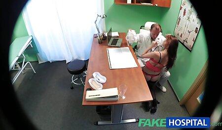 Donna in calze a rete collant ha un membro del ragazzo fuori il suo sperma nel video erotico sex tappo