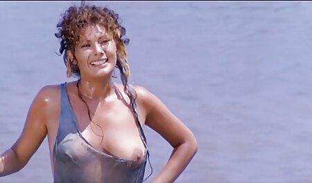 Babe Con Grandi Tette Naturali fa filmerotico gratis pompino prima del sesso in una posa classica