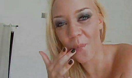 Mamka ha deciso di prendere il Riser nel culo e ha preso un paio di film video erotici volte in bocca