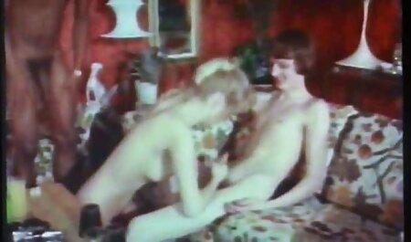 MILF con culo carnoso invitato video sex erotici fidanzato cazzo nel reparto posteriore