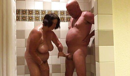 Lena Paolo film video erotici ha mostrato gli uomini grandi tette e ha preso il sesso di Gruppo con loro