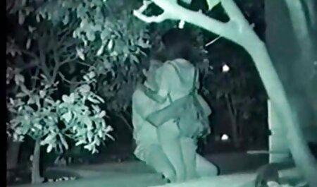 Ammiratore Russo бпилит video erotici ragazze gambe lunghe bellezza in un top trasparente sul balcone