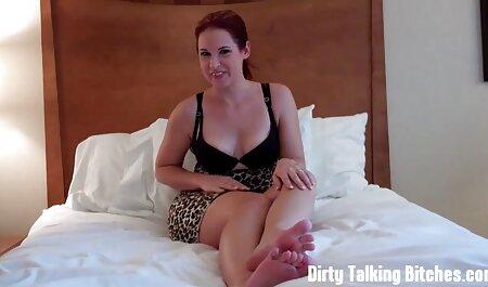 Giovenca ha mostrato quanto grande il Dildo si inserisce nel suo video erotici sex buco