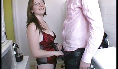 Casalinga in video erotici lesbo calze MIT con молодцем, si mette il tappo fuori, sotto la sua lingua