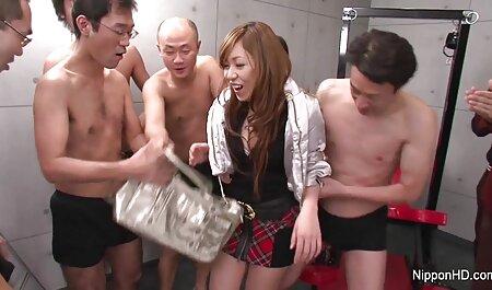 Due amiche fanno Pompino Fidanzato massaggi erotici hd e trattare con lui sesso anale sul letto