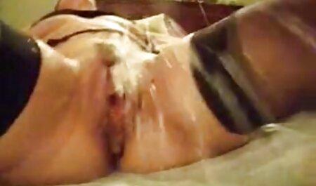 Due amiche hanno accettato di essere eccitati per il sesso film porno erotici gratis in tre con un africano
