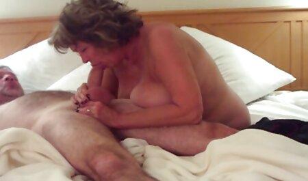 Giovane bruna succhiare grossi cazzi davanti film free erotici 。