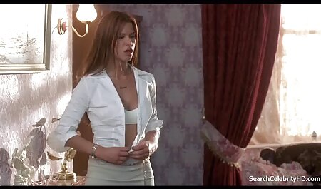 Sesso di gruppo in camera da letto con due caldo милфами film erotici hard gratis