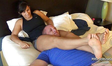 La ragazza, Maria siti per film erotici отгребла di un membro forte sul letto in POV