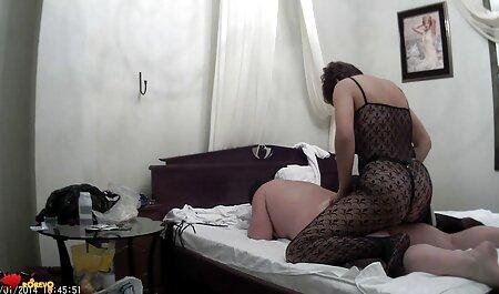 Donna snella con elastico culo si trovava di fronte al cancro cavalier e ha preso il suo video erotici eccitanti tronco nel culo