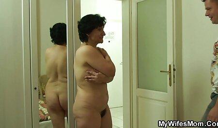 Молодуха in lingerie bianca e con i capelli video film erotici italiani gratis corti ha mostrato tette sode