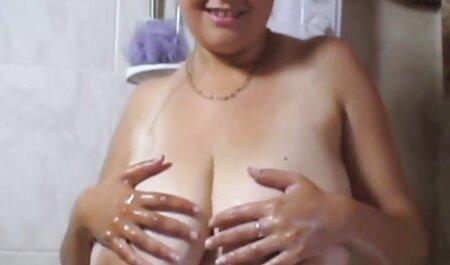 Peloso ragazzo video altamente erotici stimola la vagina girlfriend'S mano sul letto
