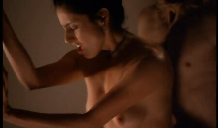 Il giovane massaggi erotici video gratis americano si masturba figa su un Dildo enorme 。