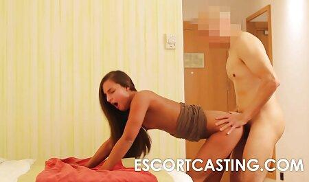 Bellissimo молодуха In video erotici gratuiti denim Shorts offered convivente a fare anale sesso