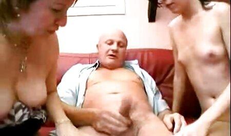 Grassi massaggi erotici free con grandi tette si diffonde cosce e si tocca per il corpo