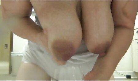 Sesso in il liscio filmati erotici italiani gratis cunt con procace signora over forty su il divano