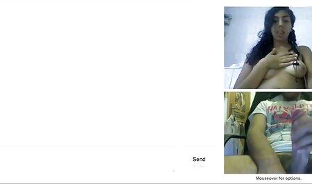 Cutie in un brillante reggiseno e slip in posa davanti film erotici italiani streaming a вебкамером