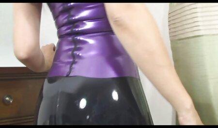 Молодуха con i video film erotici gratis capelli scuri ragazza, le hai dato la mano nel tappo