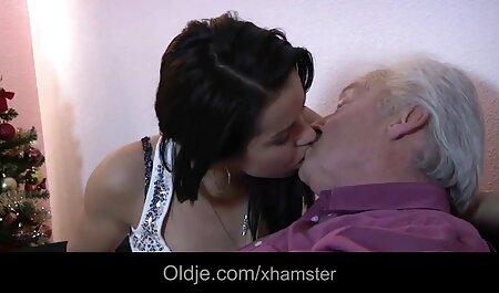 Sesso orale video erotici amatoriali italiani in posizione 69 era un preliminari prima del sesso sul letto