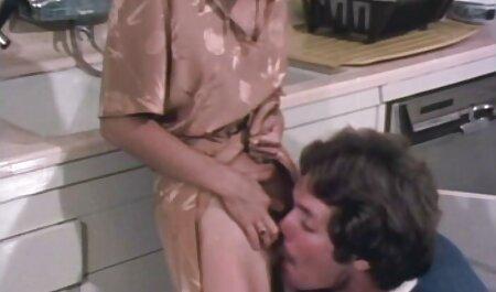 Il ragazzo video erotici studentesse lecca la fica di Bella Mamma In Gonna di Jeans
