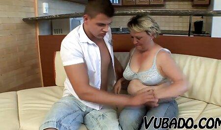 Brunetta in striped film erotici gratuiti calze autoreggenti diffusione lei gambe in anteriore di хахалем e ha in il punto