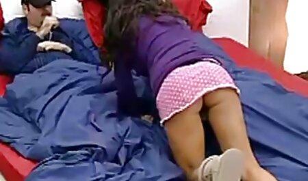 Abbronzato ragazza cinghia di usura! sotto erotismo italiano video la doccia e sdraiarsi sul letto a scopare