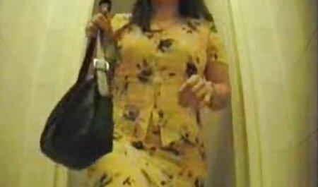 Asiatico ragazza in un vestito deciso pleasuring video erotici eccitanti ragazzo con un анилингусом