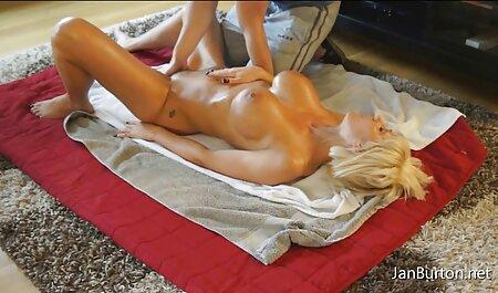 Puttana vernice Vagina con le dita durante il анала con il ragazzo con un grosso cazzo video erotico film