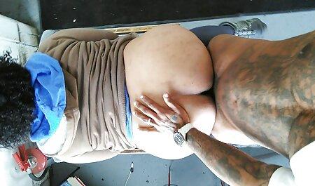 Mamma film erotici gay italiani con spesso bun tira fuori lei calze autoreggenti e succhia Phallus giovane amante