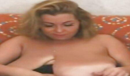 Bruna dai grossi seni con i capelli lunghi succhia cazzi con si verifica e scopa con l'uomo in cucina massaggi giapponesi erotici