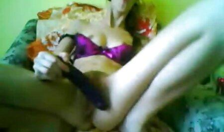 Una signora anziana ha organizzato Un'orgia con giovane свингерами con video erotoci gratis Fisting