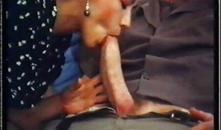 Tiffany bambola e India estate impegnati in sesso film porno erotici italiani lesbico