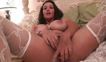 Due esteticamente snellita giù Lesbiche prendendo una video amatoriali erotici gratis doccia, toccare e fisting