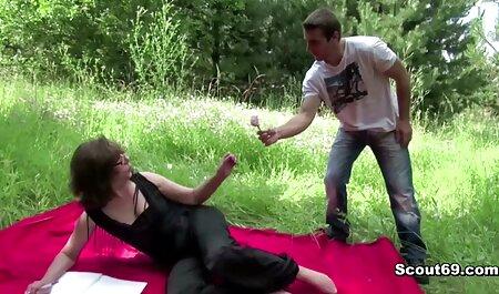 Pornostar con grande culo film erotici scambisti e capelli biondi ottiene caldo 。