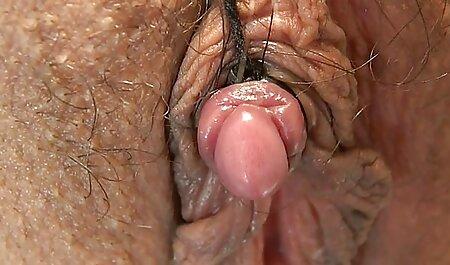 Ventenne mamme in video amatoriali erotici calze fa pompino uomo