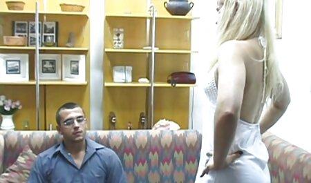 Civettuola bionda semplicemente pronto in stimolante lingerie è cazzo filmerotico porno con preferito
